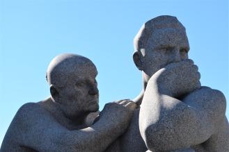 statues-2291148_1920